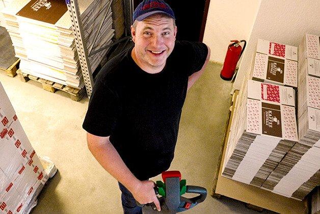 Unser Lagermitarbeiter Matthias